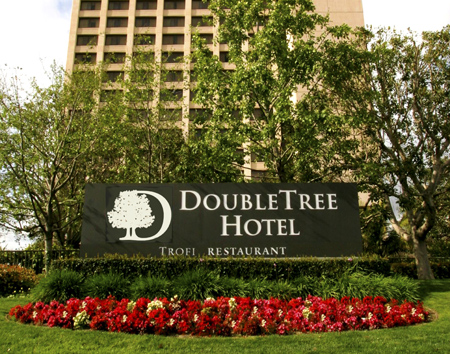 Welcome to the Doubletree Hilton Anaheim-Orange County